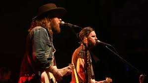 Hear wilco, adele, passion pit, tinariwen, miguel, the xx and many more. Brothers Osborne Perform On Npr S Tiny Desk Home Concert Series Country 101 3 Kfdi
