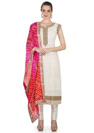 mirror indian clothing. cream silk top featuring moti and mirror work bandhani dupatta indian clothing