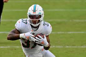 Myles Gaskin injury: Dolphins activate RB off injured reserve in Week 13 -  DraftKings Nation