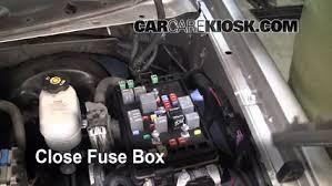 replace a fuse 2002 2009 chevrolet trailblazer 2004 chevrolet 2004 chevy trailblazer cigarette lighter fuse at 2004 Trailblazer Fuse Box