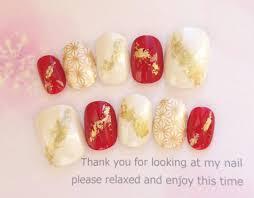 メルカリ 振袖や着物や白無垢にも 赤と白と古典模様のゴールドの和柄の