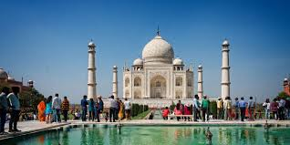 english essay on to a historical place class notes  taj mahal