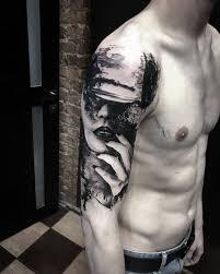 Realistic Trash Polka Tattoo Artist начали новый рукав тематика