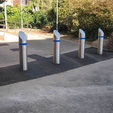 <b>Round Stainless Steel</b> Bollards, For Road Safety, Rs 6500 /piece ...