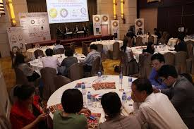 roundtable panel discussion group photo mr raymond choi chief customer services engineer the hongkong electric co ltd