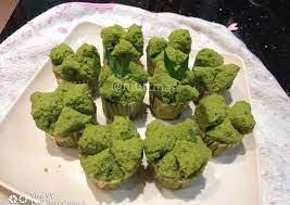 Warna hijau dari daun pandan membuat kue bolu semakin enak dengan aroma wangi khas pandan yang menggoda. Resep Bolu Kukus Mekar Pandan Anti Gagal Oleh Muttmaa Cookpad