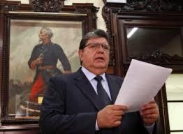 Perú: Ex presidente Alan García se suicida cuando iba a ser detenido