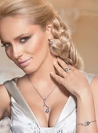 <b>Серебристое колье</b> с ювелирным жемчугом и кристаллами ...
