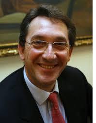 La respuesta la tiene el cirujano ortopédico Mikel Sánchez Álvarez (Vitoria, 15 de mayo de 1955), un tipo amable y ... - mikel-sanchez