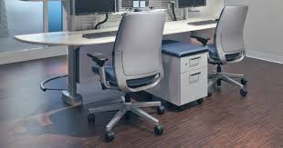 most office chairs are designed to accommodate people within the 5th to 95th height percentile this range covers the 5th percentile female at 60 2 inches