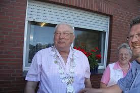 Glücklicher Sieger der sportlichen Auseinandersetzung war Günter Averbeck, der bereits zuvor den Wettstreit um das Zepter für sich entschieden hatte. - Sommerfest_2010_341