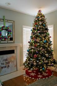 Christmas Tree Decorating Ideas: Tree with Mantel Decorated for the Holidays