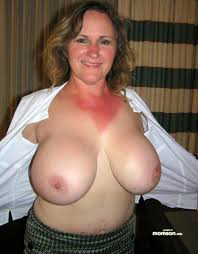 Amature moms with big tits