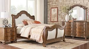 Superb Thornbury Pecan 5 Pc Queen Upholstered Bedroom