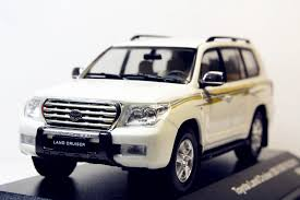 1/43 J-collection Toyota Land Cruiser 200 VXR V8 2010 White | eBay