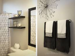 Cool Wall Art Ideas At Bathroom Decoration ...