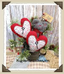 primitive mouse hearts in old vine tin cup valentines winter decor