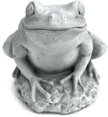 cast stone tree frog garden statue antique gray sitting with solar lantern