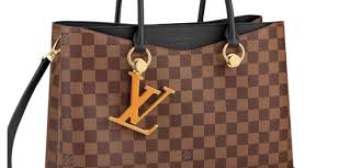 lvmh believes in italy and louis vuitton announces its first italian leather goods maker investments won t stop here