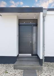 Schlichte Graue Haustür Mit Einem Seitenteil Und Lichtband Lange