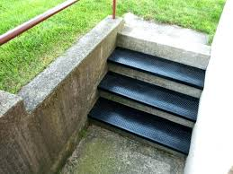 how to install indoor outdoor carpet on concrete stairs outdoor carpet for stairs outdoor carpet for