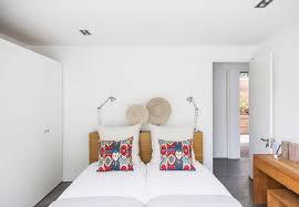 Furniture for bedrooms ideas Small Small Bedroom Ideas Freshomecom 10 Stylish Small Bedroom Design Ideas Freshomecom