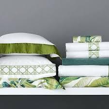 tropical leaf bedding palm