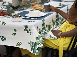 why choose duni table covers