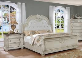 Antique White Solid Wood King Bedroom Set 3Pcs Classic Crown Mark ...