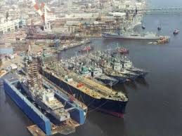 The Bath Iron Works Biw Shipyard Located On The Kennebeck