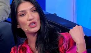 Giovanna Abate diventa una vipera