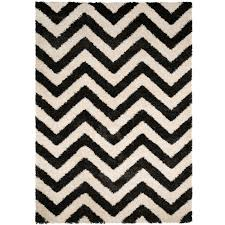rug black white front view