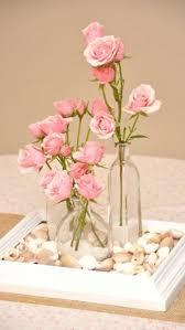 Uma moldura de qudro conchinhas ou pedrinhas +vidros reciclados e flores que  podem ser at mesmo de papel Clsico y romntico, perfecto centro de mesa  para ...