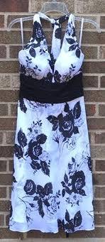 White House Black Market Floral Dress Curtsy