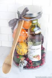 diy gift idea sangria for friends housewarming