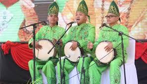 Di antara alat musik lainnya, panting adalah alat musik yang sering. Mengenal 12 Alat Musik Tradisional Kalimantan Selatan Yang Langka