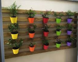 diy wooden pallet wall planters