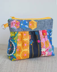 25 DIY Quilted Handbags | Guide Patterns & Quilted Purse and Handbag Adamdwight.com
