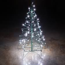 amazing outdoor lighted trees