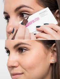 cara memakai eyeliner dengan kartu nama