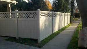 Image Pvc Tan Kingston Vinyl Privacy Fence With Customized Lattice Top Design Cedar Rustic Fence Co Pvc And Vinyl Fencing