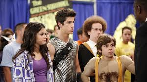 Uncle ernesto has no idea that the russo's have magic abilities max quits the society because he finds out that they are taking advantage of him. Will Wizards Of Waverly Place Return After Years Newsabc Net