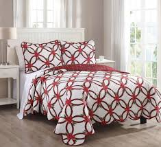 Christmas Bedding Sets – Ease Bedding with Style & 3 Piece Queen Poinsettia Red and Green Quilt Set Adamdwight.com