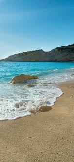 Beach, blue sea, foam, waves, sunshine ...