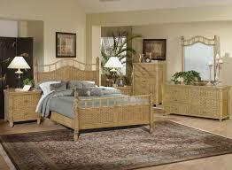 White wicker bedroom set – Bedroom at Real Estate