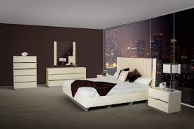 Luxor 2 Bedroom Suite Modern Beige Lacquer Italian Bedroom Set