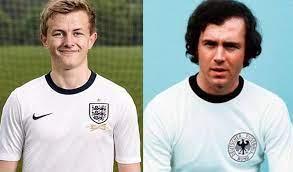 """بيلد"""": قميص إنجلترا تقليد لقميص ألمانيا عام 1974"""