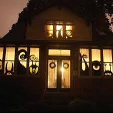love halloween window decor: the bosse family window decorations for halloween a by image are you decorating your lovely homes for this spooky occasion here are some great ideas for