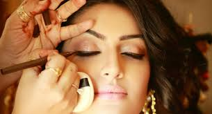 design your dream wedding bridal makeup regular mineral and airbrush makeup explained