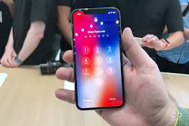 The iphone 4/4s uses a micro sim card on the right side of the screen, the left side if looking at the back. Iphone X So You Put The Sim Card Infotime